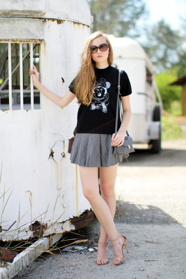 Oh Minnie Embroidery Knit Top in Black