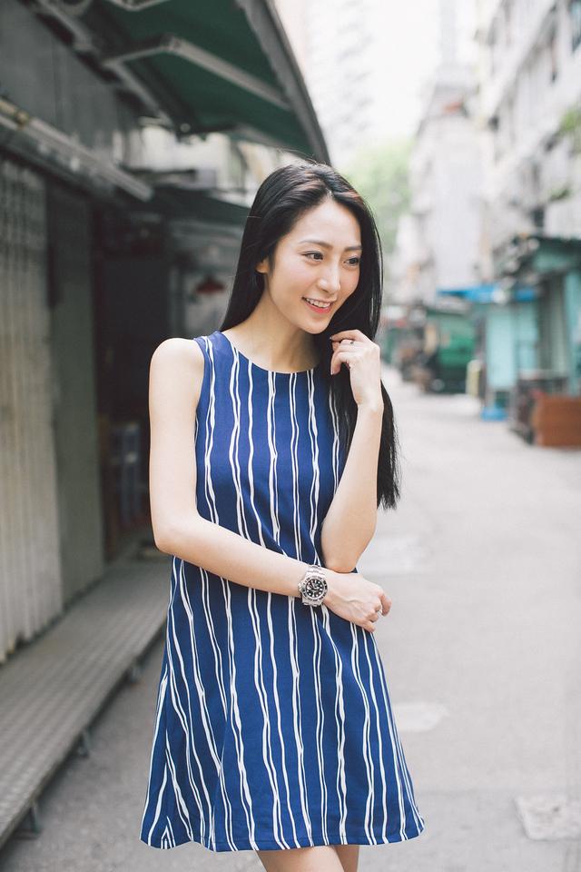 TSW Penny Swiggly Vertical Striped Swing Dress in Navy Blue (M)
