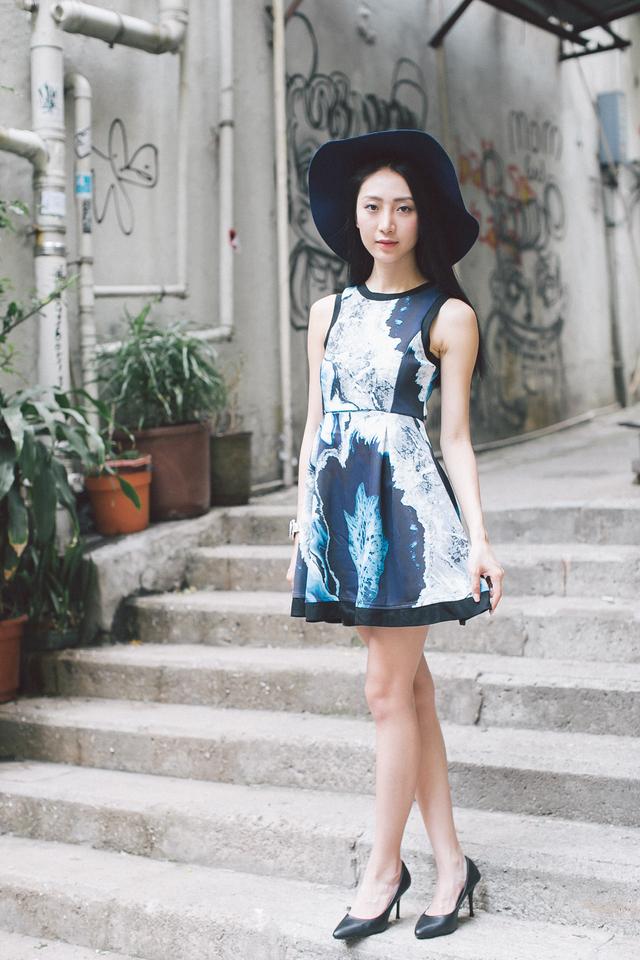 TSW Eliza Neoprene Flare Dress in Blue Marble Print (XS)