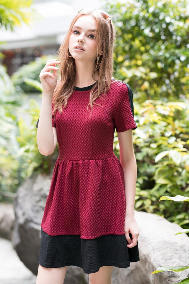 Danielle Textured Sleeve Dress in Wine (M)