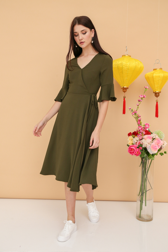 Jayner Bell Sleeve Midi Dress in Olive