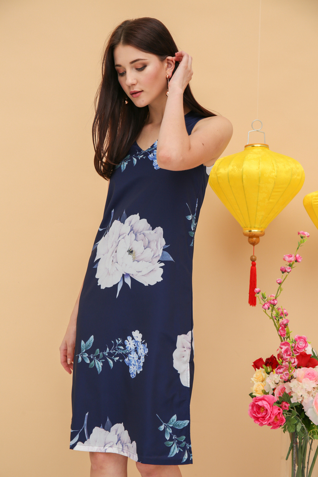 Angelene Rose Midi Dress in Navy (XS)