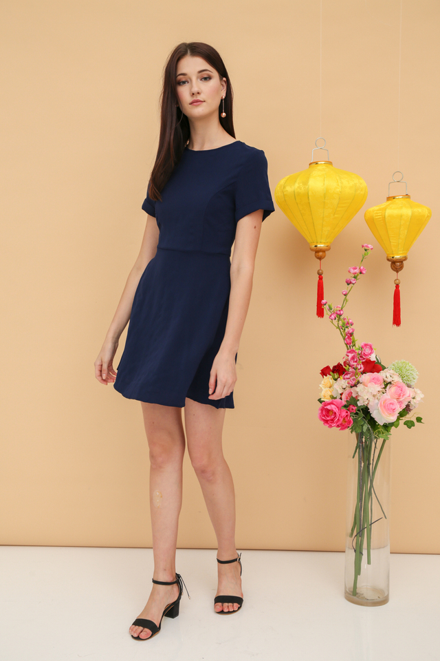 Hethlyn Folded Sleeve Dress in Navy