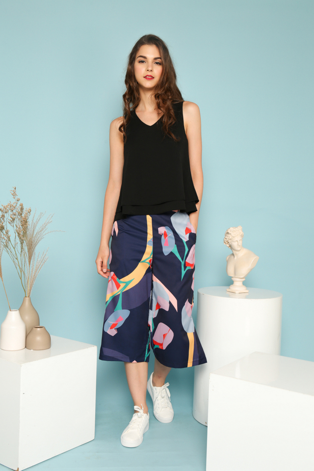 Jazlyn Abstract Print Culottes in Navy Blue