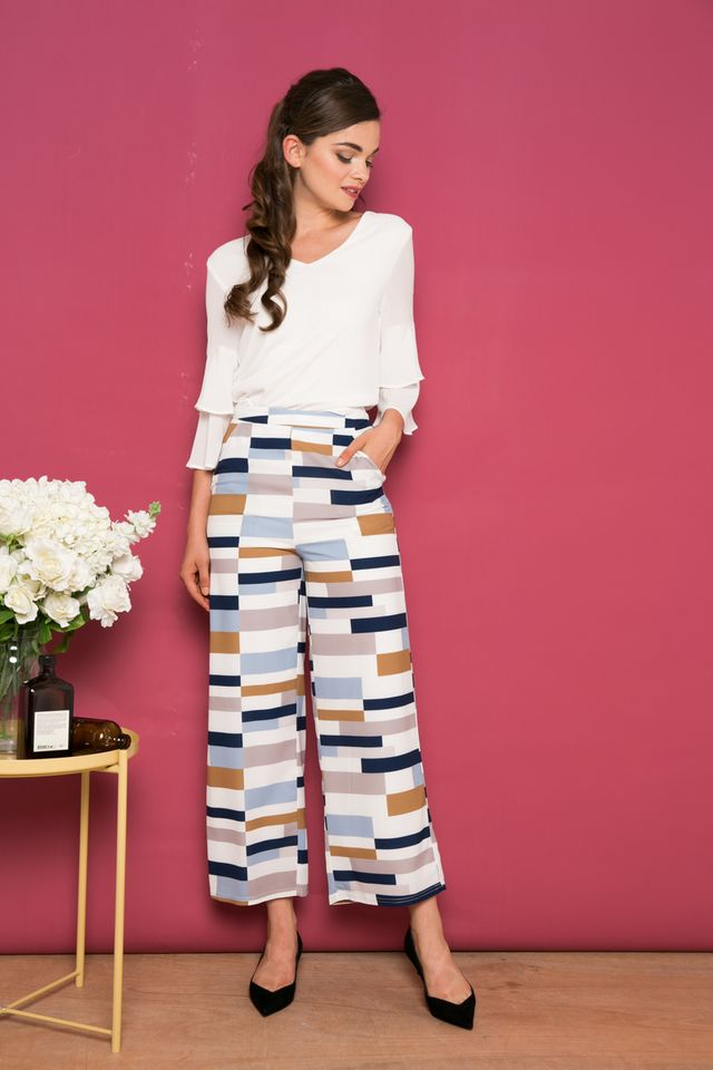 Shiloh Rectangle Straight-cut Pants in Navy