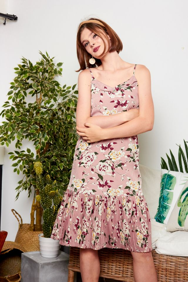 Clemencia Floral Pleated Midi Dress in Rouge (L)