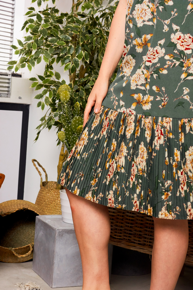 Clemencia Floral Pleated Midi Dress in Forest