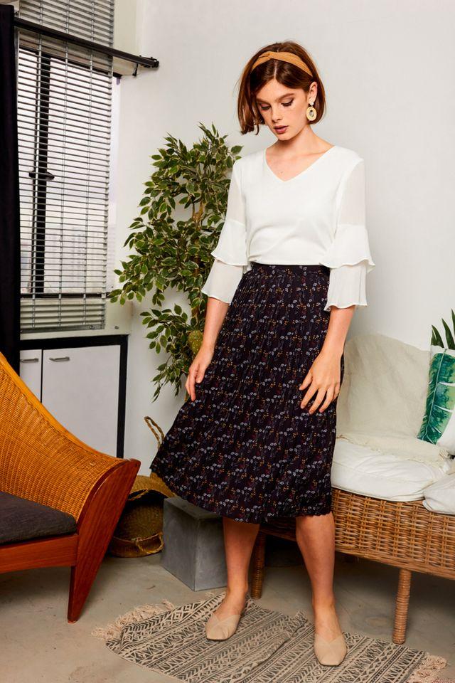 Daralice Floral Pleated Midi Skirt in Black (XS)