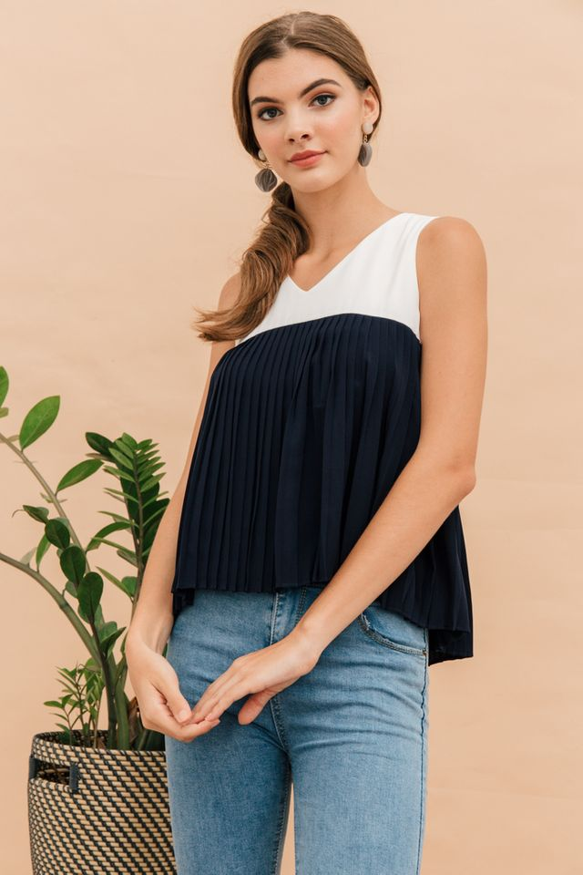 Keverene Colourblock Pleated Top in Navy (L)