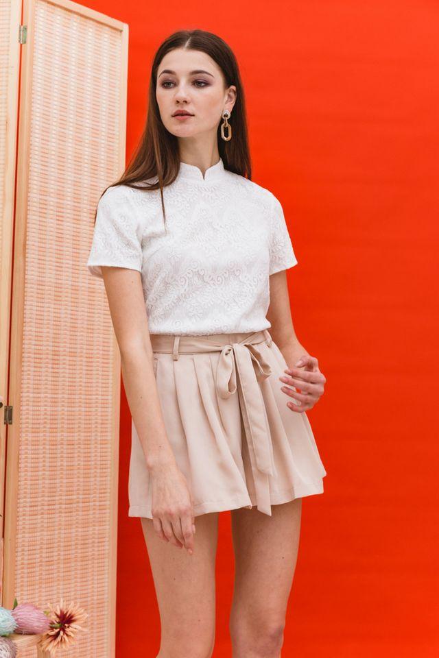 Lin Lace Mandarin Collar Top in White (XL)
