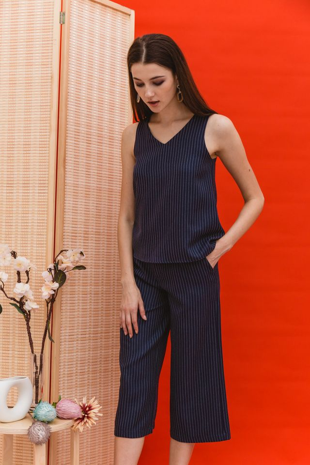 Rhona Stitched Flare Top in Navy (XL)