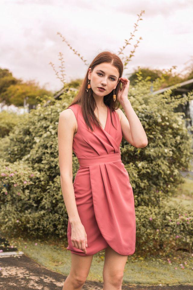 Alanis Petal Hem Midi Dress in Rouge (XS)
