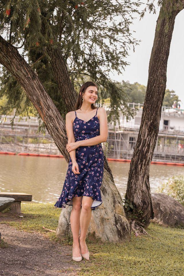 Callista Floral Asymmetrical Hem Dress in Navy (L)