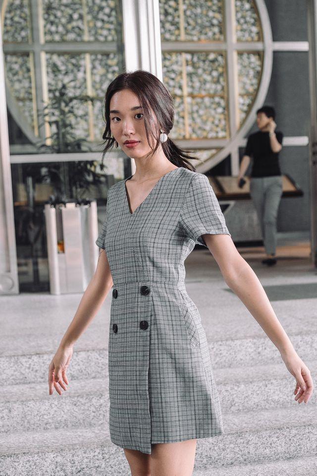 Siria Overlay Plaid Dress in Grey (XS)