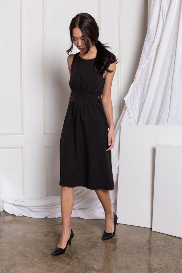 Adalee Soft Pleated Midi Dress in Black (XS)