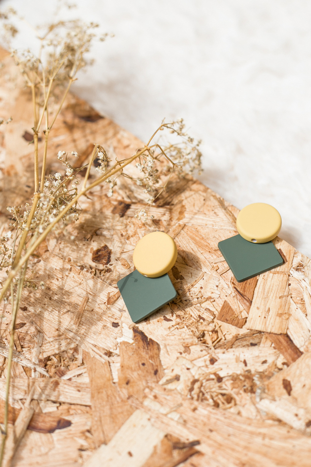 Chesire Geometric Earrings in Yellow