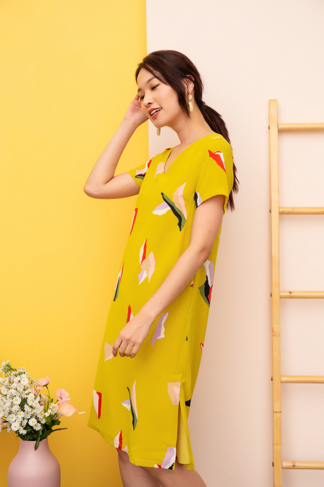 Wylda Abstract Midi Dress in Dusty Mustard (XS)