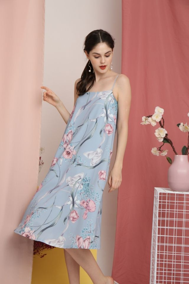Bertha Floral Sleeveless Midi Dress in Blue (L)