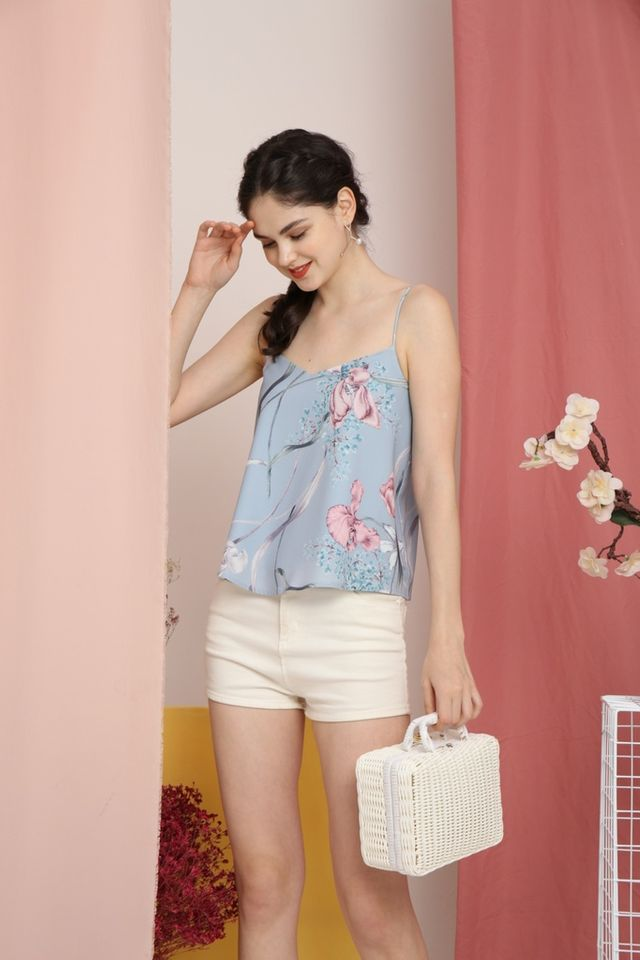 Qiana Floral Sleeveless Top in Blue