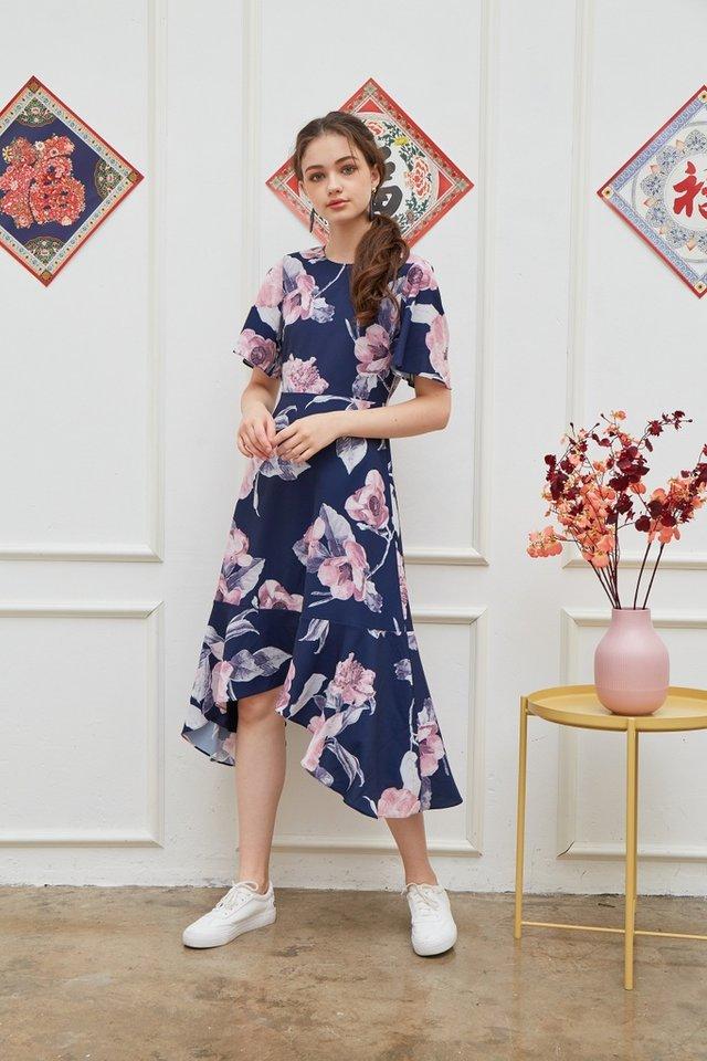 Zelda Floral Drape Hem Midi Dress in Navy (XS)