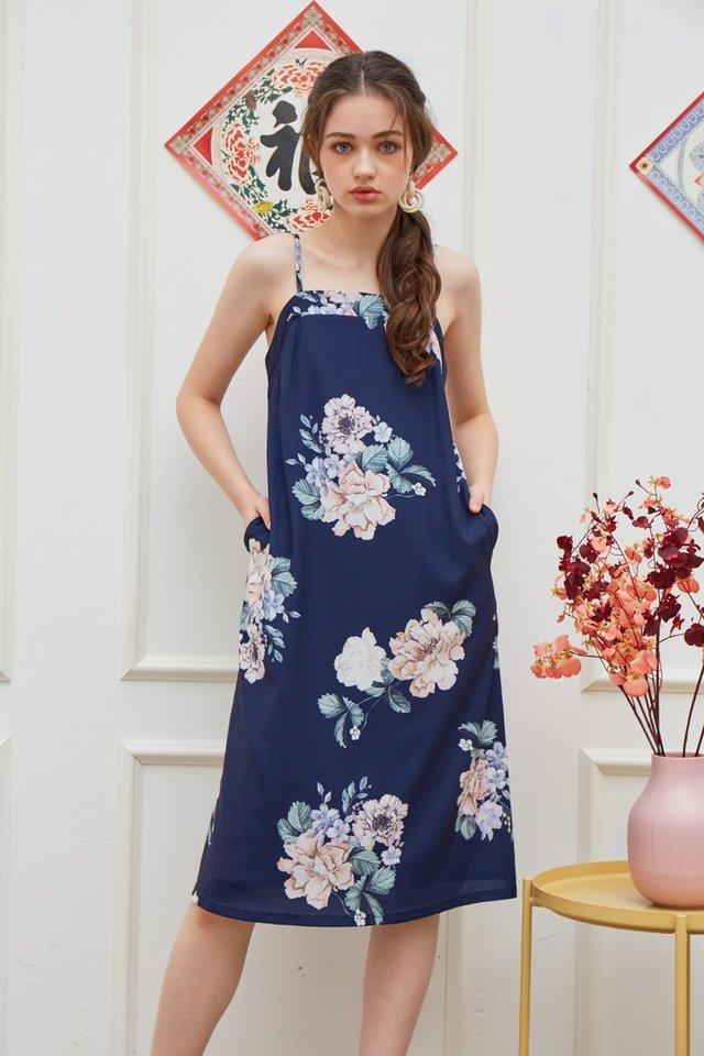 Lucinda Floral Midi Dress in Navy (L)