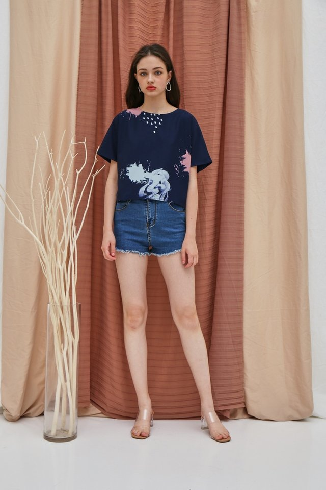 Alanna Watercolour Sleeved Top in Navy