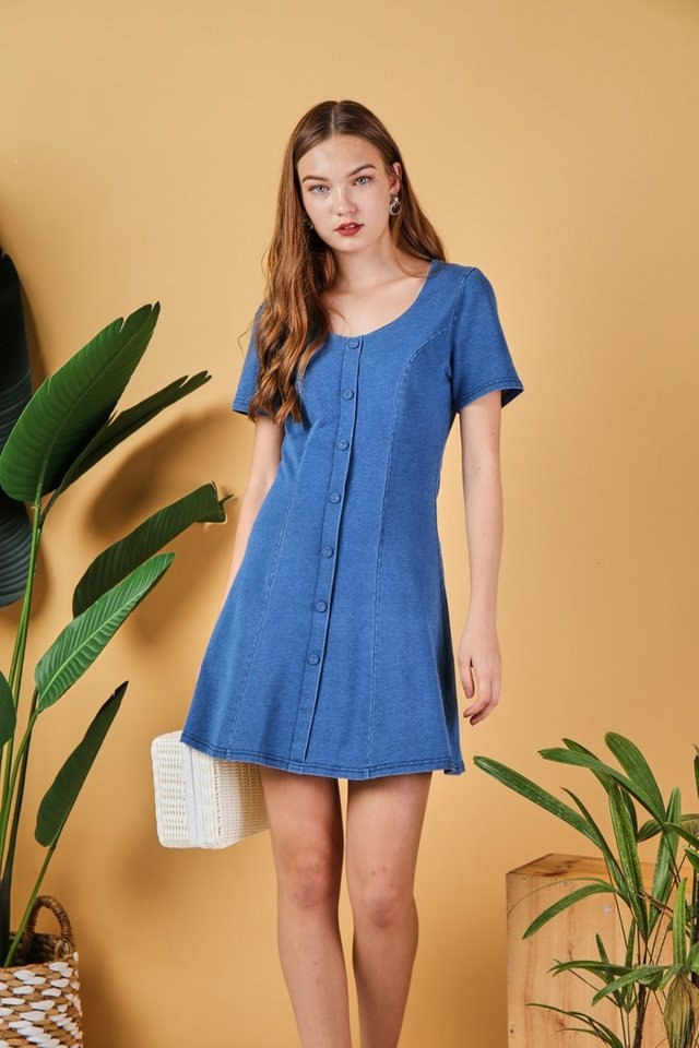 Jaycee Denim Panel Dress in Mid Wash (XS)