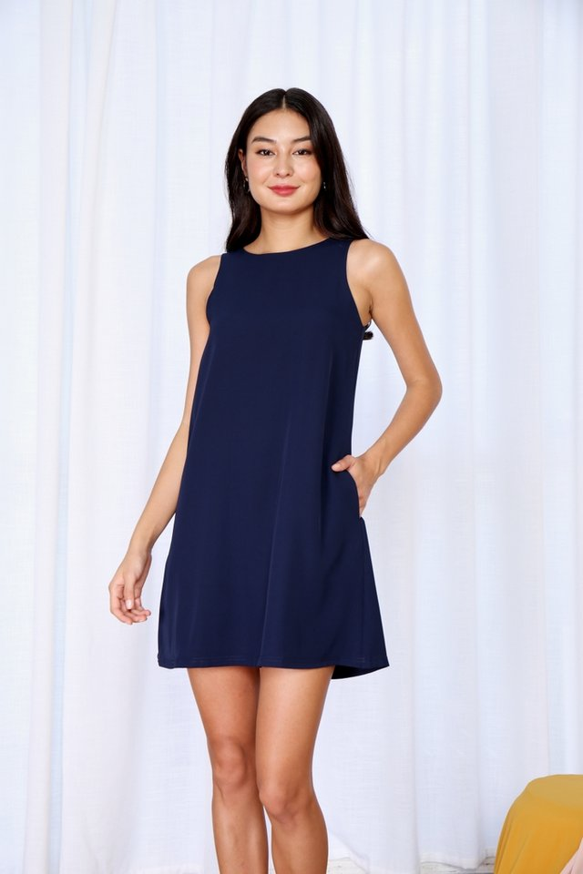 Beatrice Sleeveless Shift Dress in Navy