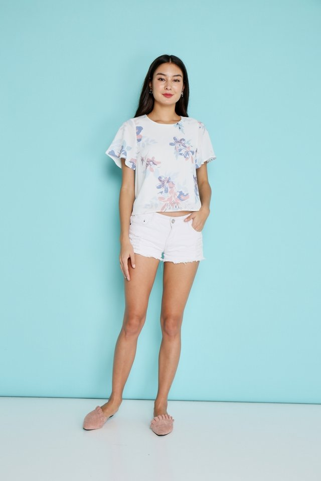 Zaria Abstract Floral Sleeved Top in White