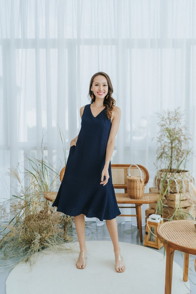 Sonya Textured Ruffles Midi Dress in Navy