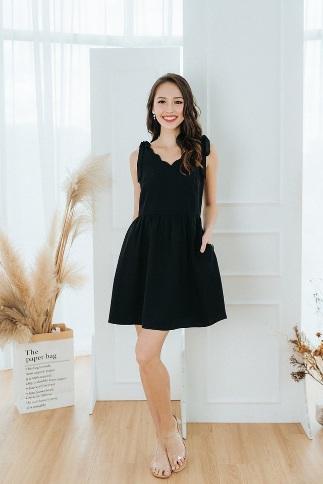 Aria Scallop Ribbon Dress in Black