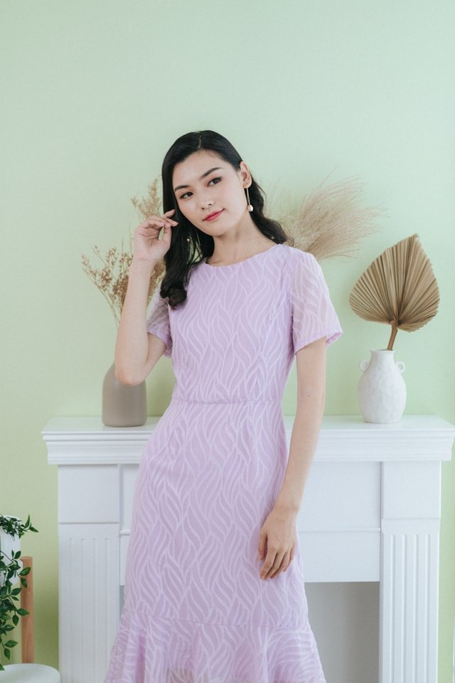 Jacie Leafy Textured Midi Dress in Lilac