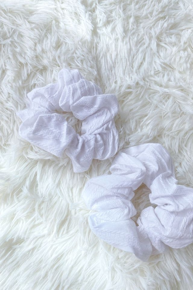 TSW Scrunchie in Textured White