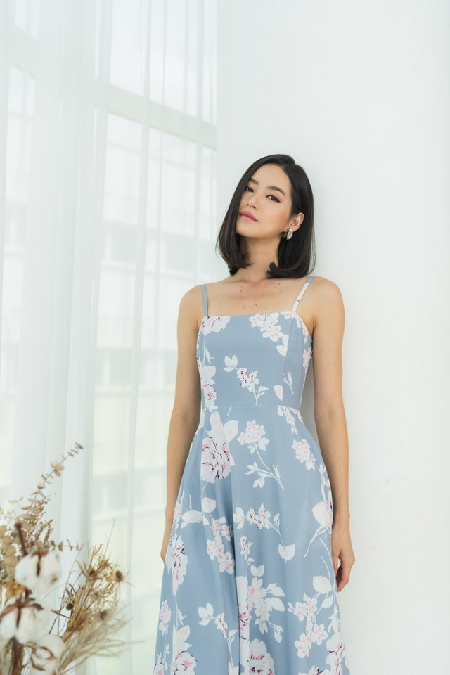 *Online Exclusive* Mabelle Abstract Floral Midi Dress in Dusty Blue