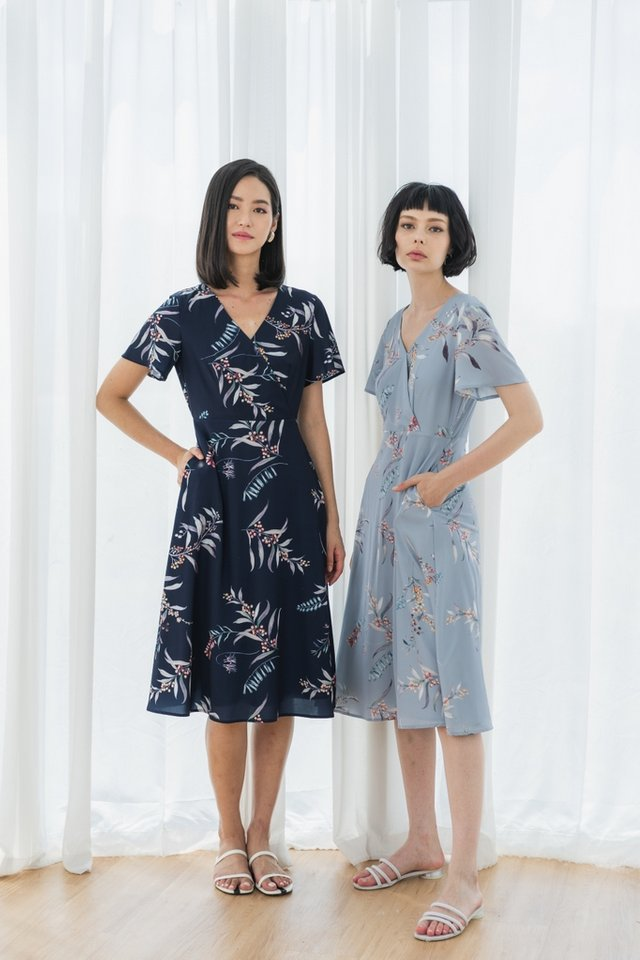 *BACKORDER* Zinnia Floral Wrap Midi Dress in Navy