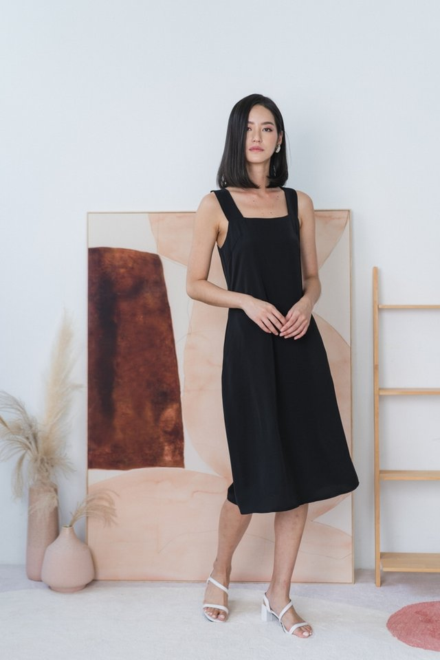 Jaylah Halter Midi Dress in Black
