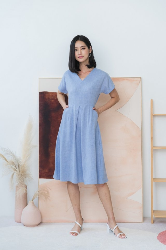 Miah Dropped Sleeves Midi Dress in Blue